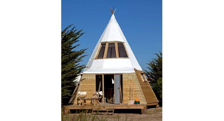 """Auf den französischen """"Original Camping""""-plätzen Domaine Les Moulins und Camping du Midi gibt es auch zweistöckige Tipis."""