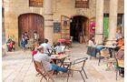 Die Provinzhauptstadt Tarragona hat nette Bars und Cafés