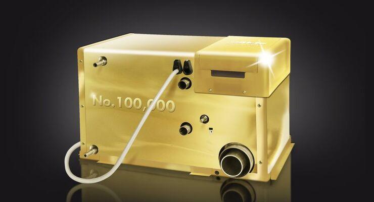 Die in Europa meist installierte gasbetriebene Warmwasserzentralheizung für Reisemobile und Caravans feiert ein rundes Jubiläum