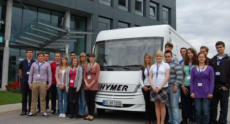Exakt 21 Berufsanfänger starten bei Hymer in acht unterschiedlichen Berufen und Studiengängen  ins Berufsleben