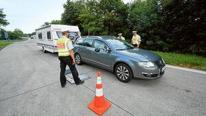 Fahrzeug- und Fuehrerscheinkontrollen sind keine Seltenheit auf deutschen Strassen.