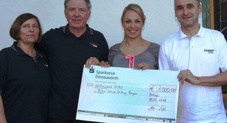 Fendt-Caravan überreichte einen Scheck in Höhe von 1.000 Euro an Magdalena Neuner für die Björn Schulz Stiftung.