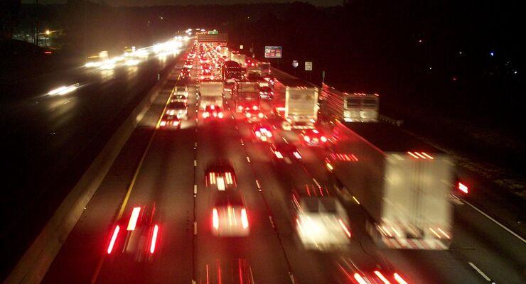 Im Jahr 2010 wurden rund 185.000 (2009: knapp 140.000) Stauereignisse auf deutschen Autobahnen gemeldet
