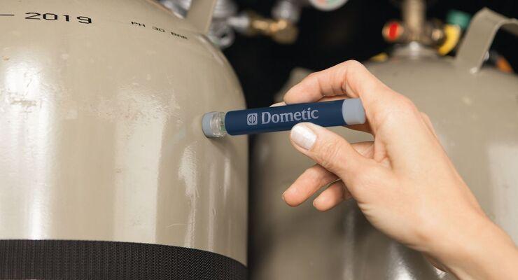 Mit dem Gas-Checker GC 100 kann der Füllstand der Camping-Gasflaschen schnell überprüft werden.