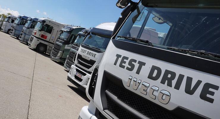Nachwuchskräfte für die Transport- und Logistikbranche nahmen Anfang Mai auf dem ehemaligen Truppenübungsplatz Münsingen Lkw unter die Lupe.