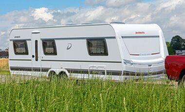 Wohnwagen Doppelachse Etagenbett : Knaus südwind doppelachser mit vorzelt wohnwagen wohnmobile