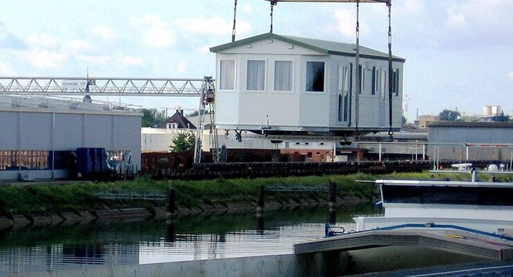 Bürstner hat im Rahmen eines Pilotprojekts erstmals elf Mobilheime per Schiffstransport nach Norwegen geliefert