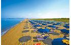 Camping Village Cieloverde liegt direkt am tyrrhenischen Meer.