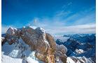 Das Gipfelkreuz auf der Zugspitze.