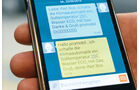 Die Befehle werden per SMS verschickt.