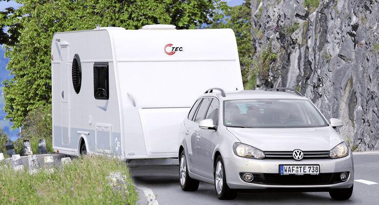 Nach einer zwölfjährigen Testphase wurde nun Tempo 100 für Pkw-Caravan-Gespanne und Reisemobile unbefristet freigegeben