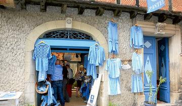 """Pastelgefärbte Blusen aus der Manufaktur """"La Ferme au Village"""""""