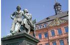 Reise-Service: Grimm-Jahr in Nordhessen