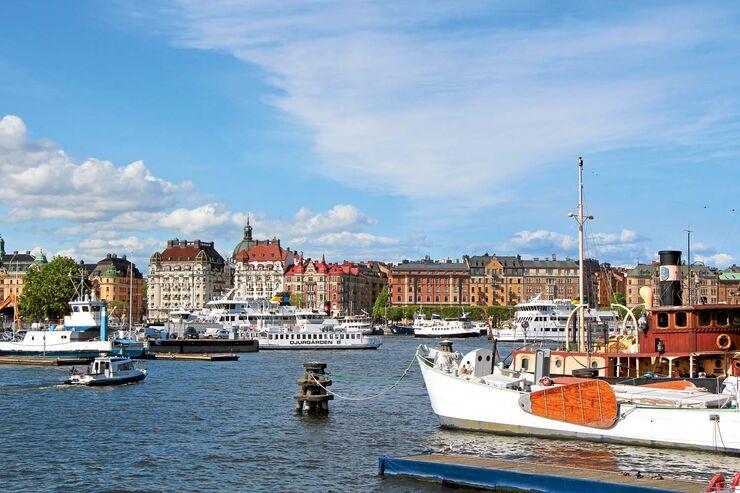 Schärendampfer & Co. im Zentrum von Stockholm.
