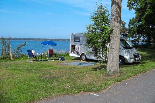 caravaning wohnwagen campingpl tze und reisetipps. Black Bedroom Furniture Sets. Home Design Ideas