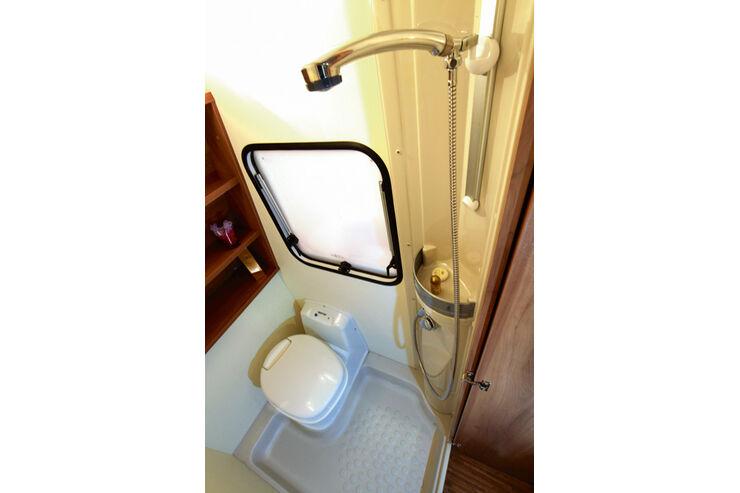 sonderausstattung im wohnwagen gas wasser und elektrik seite 5 caravaning. Black Bedroom Furniture Sets. Home Design Ideas